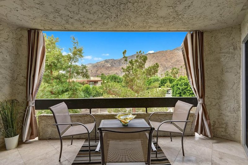 Biltmore With a View! - Image 1 - Palm Springs - rentals