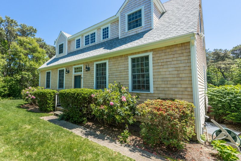 Front Entry - MANNM - South Beach Edgartown - Edgartown - rentals