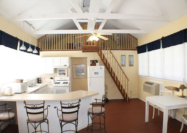 Lightkeepers Cottage, Flat Screen TV, Pet Friendly - Image 1 - Saint Augustine Beach - rentals
