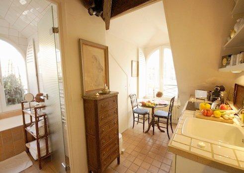 Charming Vacation Rental, Rue Saint Honore, Paris - Image 1 - Paris - rentals