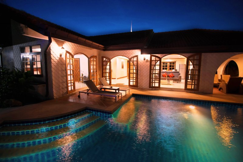 very good location villa,private pool,walk to the beach through the beach gate entrance - Grand condo Lotus pool villa - Pattaya - rentals