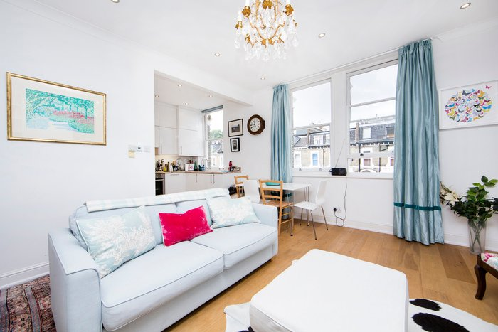 Lovely 2 bedroom apartment in a quiet, residential street- Kensington - Image 1 - London - rentals