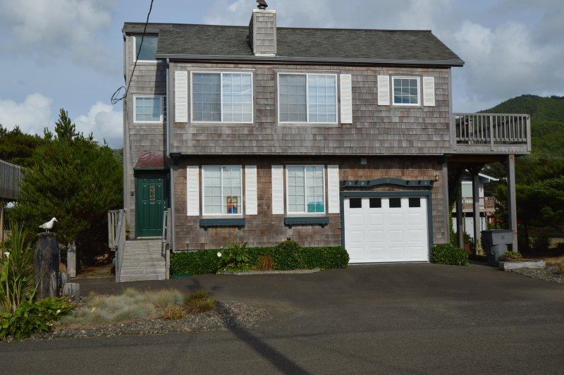 Ray's House in Nedonna Beach - Ray's House in Nedonna Beach 3 BR, Sleeps 8 - Rockaway Beach - rentals