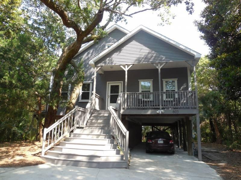 Exterior - Mandan House - Folly Beach, SC - 3 Beds BATHS: 2 Full - Blue Mountain Beach - rentals