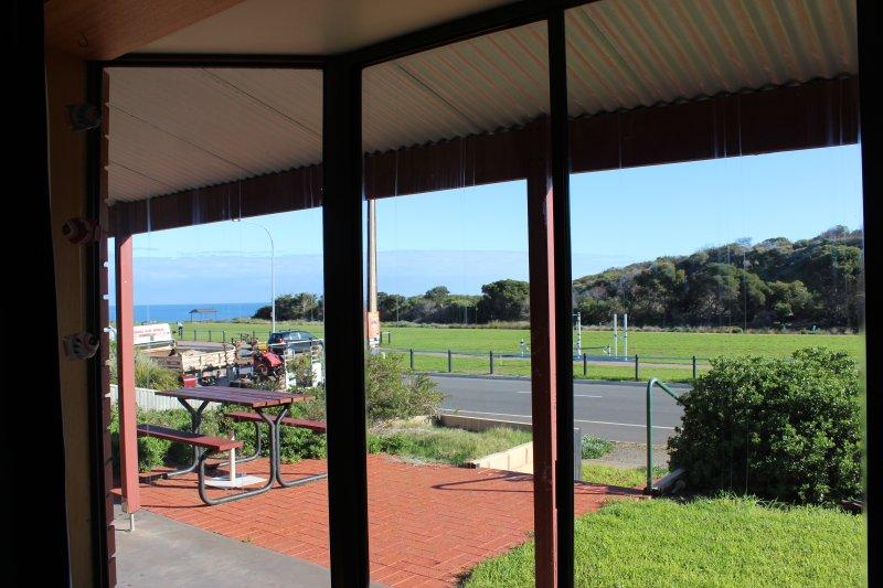 View from lounge room - Bott's Beach Retreat Beach House near McLaren Vale - Maslin Beach - rentals