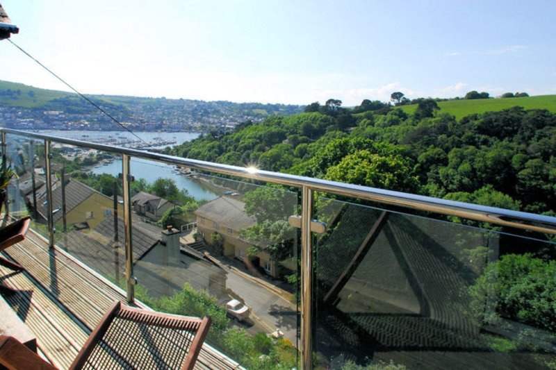 3 The Pines located in Kingswear, Devon - Image 1 - Kingswear - rentals