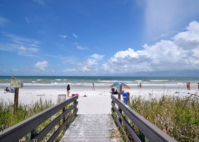 Beach Access - Sea Treat 11- 2nd Floor 2 Bedroom Gulf Side Condo - Small Dog Friendly! - Indian Rocks Beach - rentals