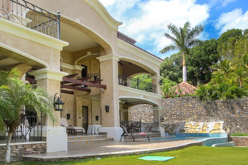 Hacienda Clark, Sleeps 8 - Image 1 - Playa Flamingo - rentals