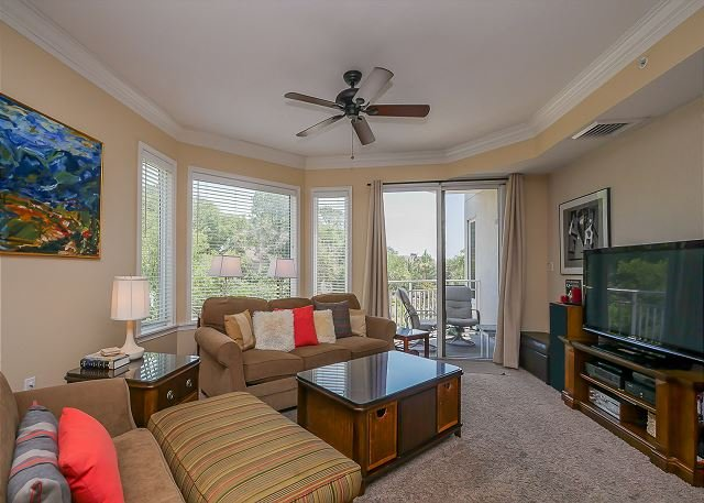 Living Area - 2201 SeaCrest - 1 Bedroom, 2 Full Bath and Fully Renovated. - Hilton Head - rentals