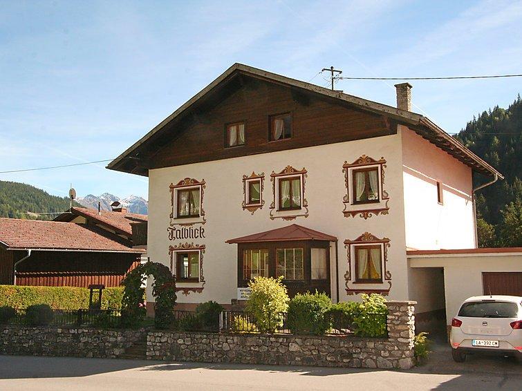 10 bedroom Villa in Pettneu am Arlberg, Arlberg mountain, Austria : ref 2295755 - Image 1 - Pettneu am Arlberg - rentals