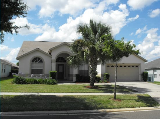 Spacious 4 Bedroom 3 Bath Pool Home in Orange Tree. 3305MHS - Image 1 - Clermont - rentals