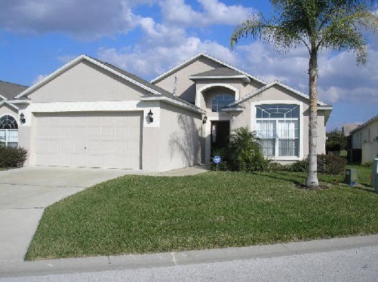 Lovely 3 Bedroom 2 Bath Pool Home in Westbury. 252HPD - Image 1 - Davenport - rentals