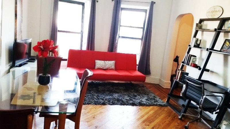 Amazingly Gorgeous Jr. Apt-only 12 min to Manhatta - Image 1 - Brooklyn - rentals