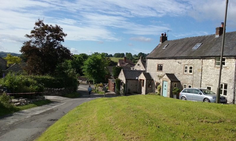 Situated on a quite lane yet 2 minutes walk to Village centre, shop and Pub - Farm View Cottage  Cosy 17th Century Cottage for 2 - Parwich - rentals