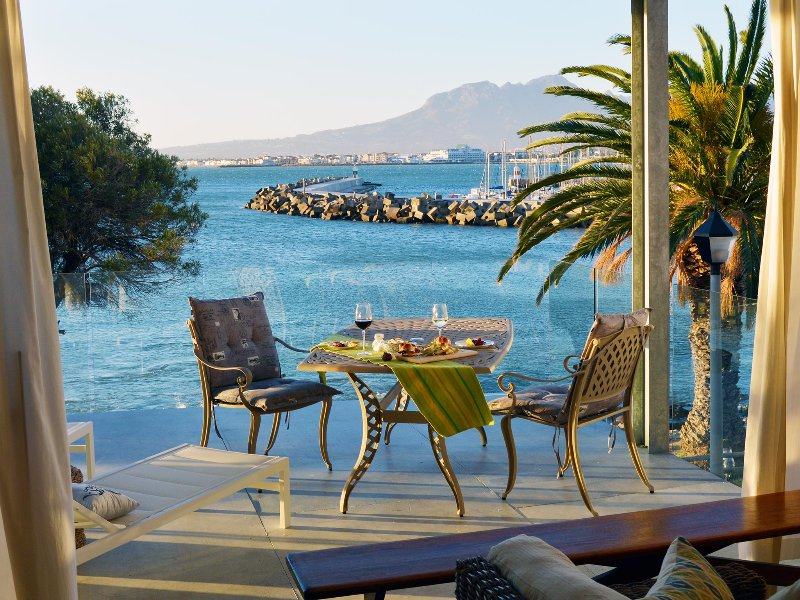 Bikini Beach Self Catering Suites - Image 1 - Gordon's Bay - rentals
