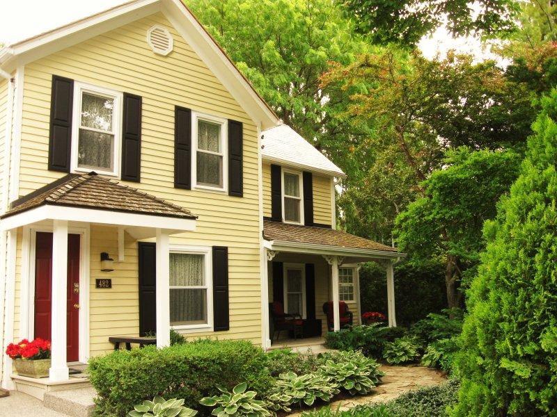 Piano House Retreat - Piano House - Modern 1850's Farmhouse - Niagara-on-the-Lake - rentals