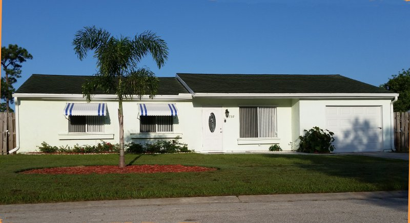 Great family vacation pool home local golf & more - Image 1 - Port Saint Lucie - rentals
