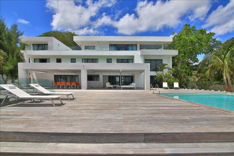 Beautiful 5 bedroom contemporary villa - Image 1 - Simpson Bay - rentals