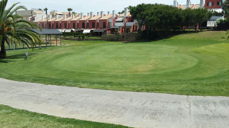 Cozy, modern apartment in residential area with golf course - Image 1 - Ayamonte - rentals
