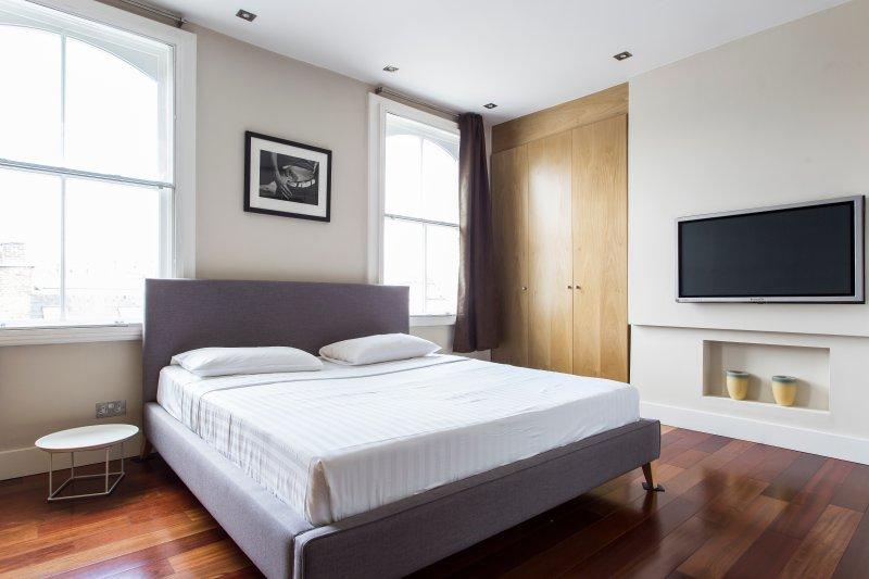 One Fine Stay - Kensington Church Street VI apartment - Image 1 - London - rentals