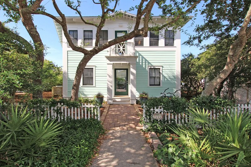 exterior - Toye Cottage - Seaside - rentals