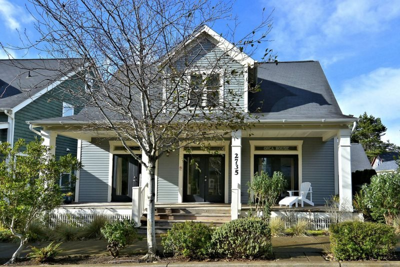 Orca House - Image 1 - Lincoln City - rentals