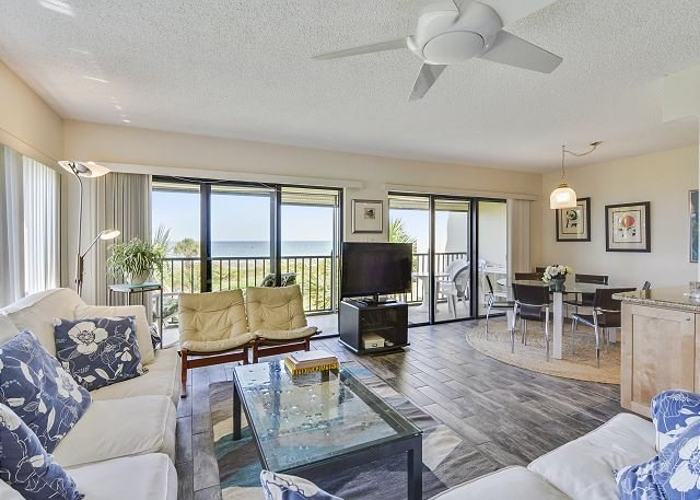 Living Area - Land's End #301 building 8 - Beach Front - Treasure Island - rentals