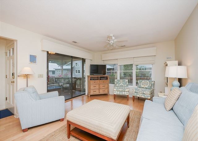 Living Area - 12 Beachside-Pretty 3 Bedroom Beach Home in South Beach Marina Area. Sleeps6 - Hilton Head - rentals
