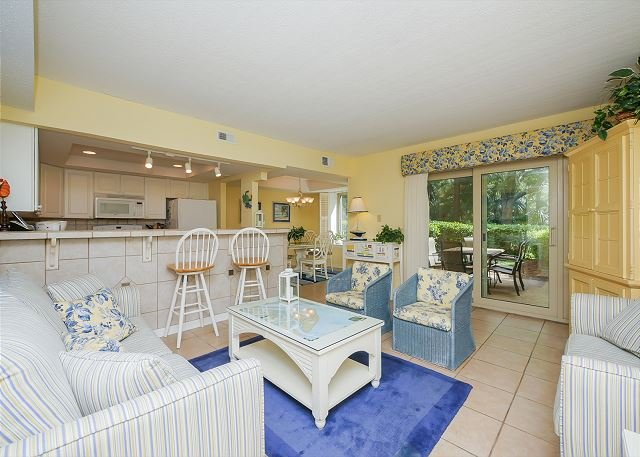 Living Area - 1654 Bluff Villa-Beautiful first floor villa-Quick walk to beach & marina - Hilton Head - rentals