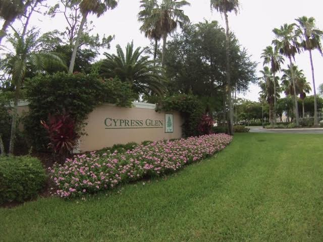 Entrance to Community - Cozy centrally located Naples 2 BR Condo-No steps - Naples - rentals