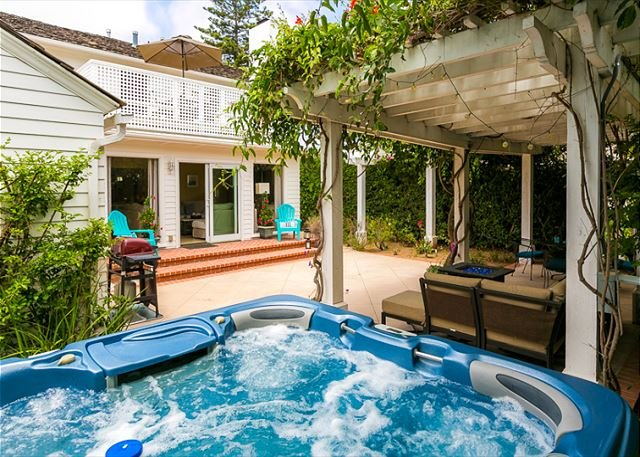 Enjoy this oversized hot tub in your private  backyard. - Discounted December Rates - Walk to Beach - Cape Cod Charmer -  Jacuzzi - La Jolla - rentals