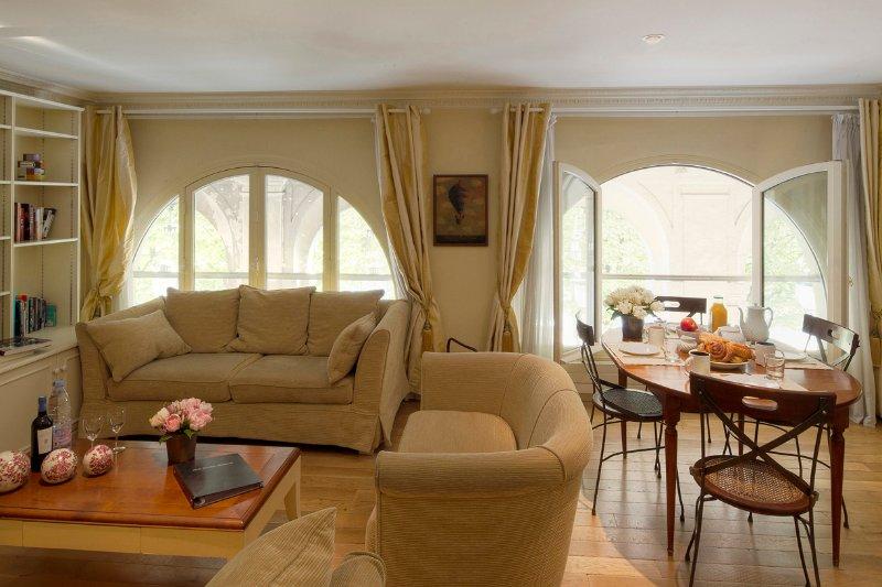 Living Room View Two   - Louvre / Palais Royal Elegant Two Bedroom - Paris - rentals