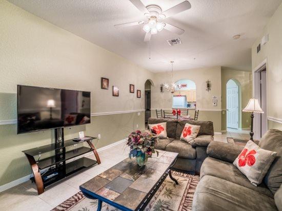 Ground Floor 2 Bedroom 2 Bath Condo in Windsor Hills. 2813AL-102 - Image 1 - Four Corners - rentals