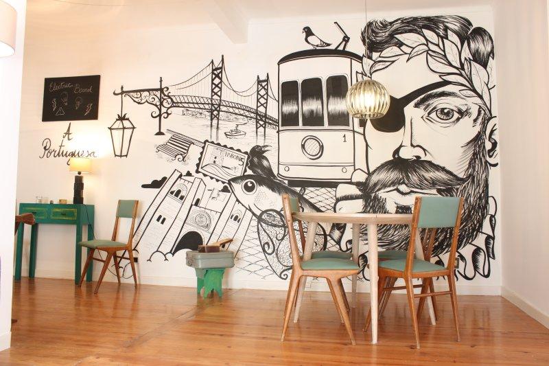 A Portuguesa III, at Bica's Funicular St - Image 1 - Lisbon - rentals
