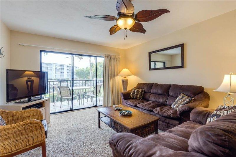 Santa Maria II 105, 2 Bedrooms, Heated Pool, Hot Tub, Sleeps 6 - Image 1 - Fort Myers Beach - rentals