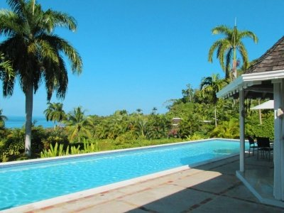 Tremendous 4 Bedroom Villa with Large Swimming Pool in Round Hill - Image 1 - Hope Well - rentals