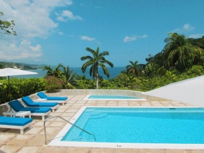 4 Bedroom Villa with Private Jacuzzi in Round Hill - Image 1 - Hope Well - rentals