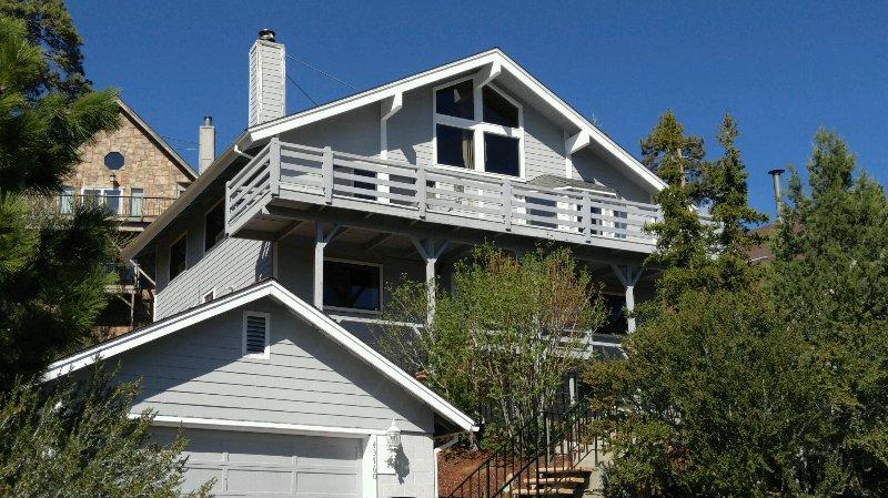 Bear Mountain Paradise with 2 car garage....HARD TO FIND!  Nearly 3000sf of FUN! - BEAR MOUNTAIN PARADISE:  AWESOME VIEWS!!   WIFI - Big Bear Lake - rentals