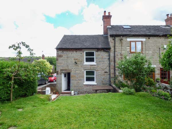 WHIRLEY LOW COTTAGE, stone-built cottage, woodburner, lawned garden, countryside views, in Foxt, Ref 934233 - Image 1 - Foxt - rentals