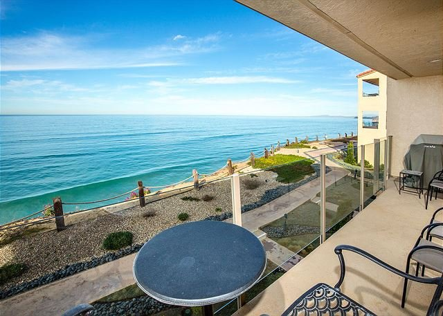 Beautiful oceanfront condo - SBTC204 - Image 1 - Solana Beach - rentals