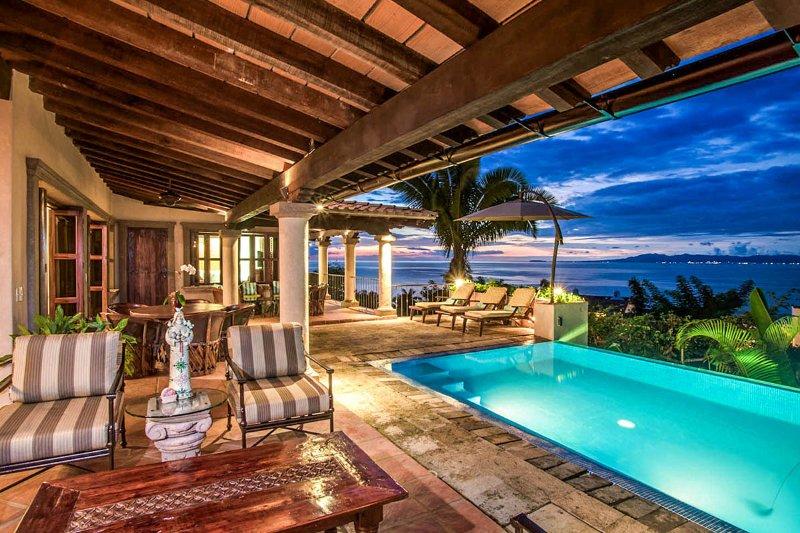 Hacienda del Mar, Sleeps 10 - Image 1 - Puerto Aventuras - rentals