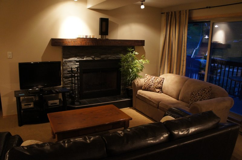 Luxury  townhouse in desirable Panorama resort - Image 1 - Panorama - rentals
