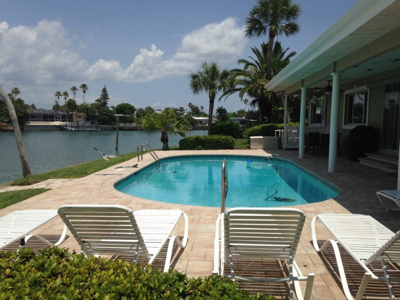 Peace and Tranquility are yours at this lovely home - Pass-a-Grille Beach & St. Pete Beach Home Sleeps 8 - Saint Pete Beach - rentals