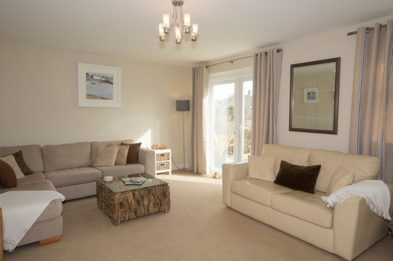 5 Jubilee Close located in Padstow, Cornwall - Image 1 - Padstow - rentals