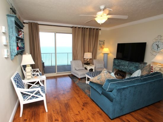 Hardwoods in the Living and Dining Area - Beautiful View from this Family Friendly 17th Floor Unit with Free Beach Chair Service. Pet friendly- No Spring Breakers - Thomas Drive - rentals