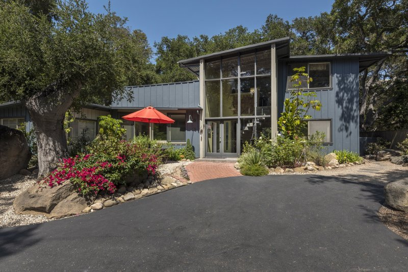 A view of the front exterior, but the real fun lies in the back.  - Beautiful home with amazing outdoor space, firepit, short walk to Mission and rose gardens - Rocky Nook Escape - Santa Barbara - rentals