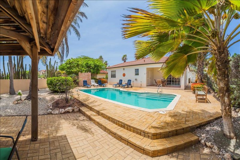 2-bedroom villa with pool at Tierra del Sol - Image 1 - Noord - rentals