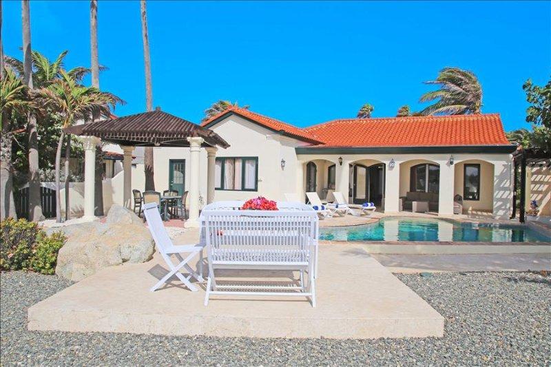 Luxurious 3 bedroom villa with spectacular view - Image 1 - Noord - rentals
