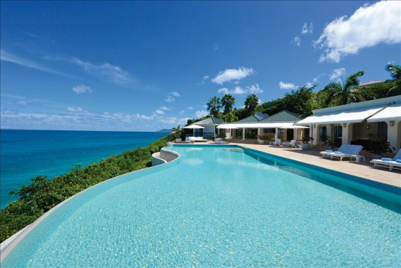 Luxurious 5 bedroom oceanfront Estate with breathtaking views - Image 1 - Terres Basses - rentals