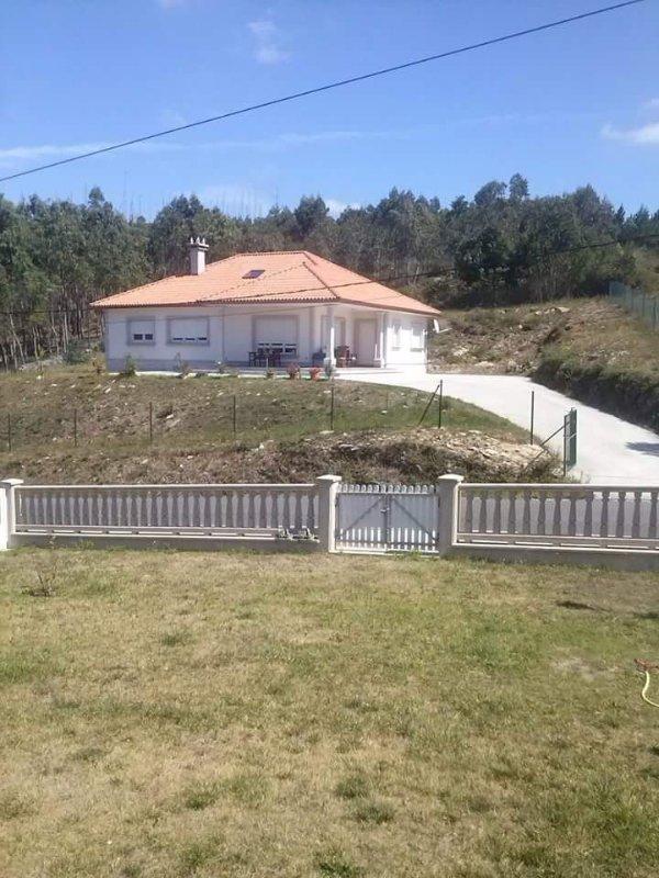 Magnificent villa near the beach on Costa da Morte - Image 1 - Cee - rentals